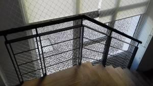 Dá para instalar redes de proteção em escadas?