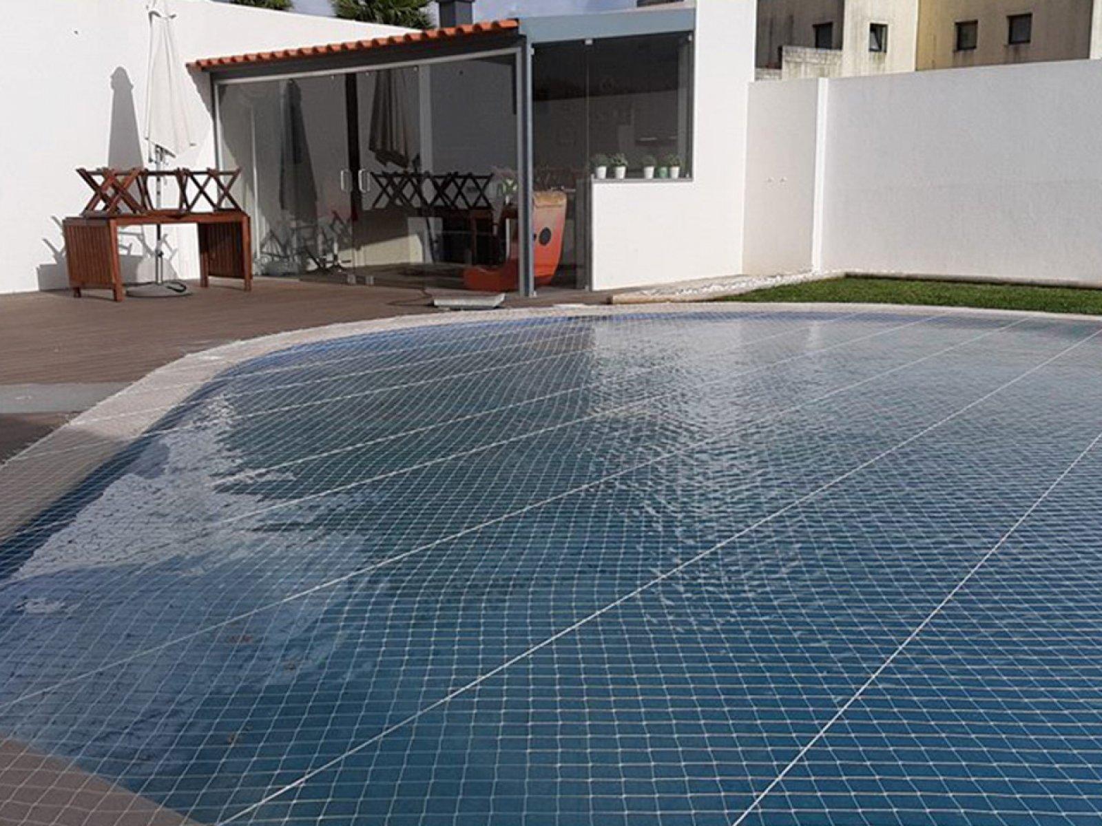 Rede de Proteção para piscinas para proteger a queda de crianças