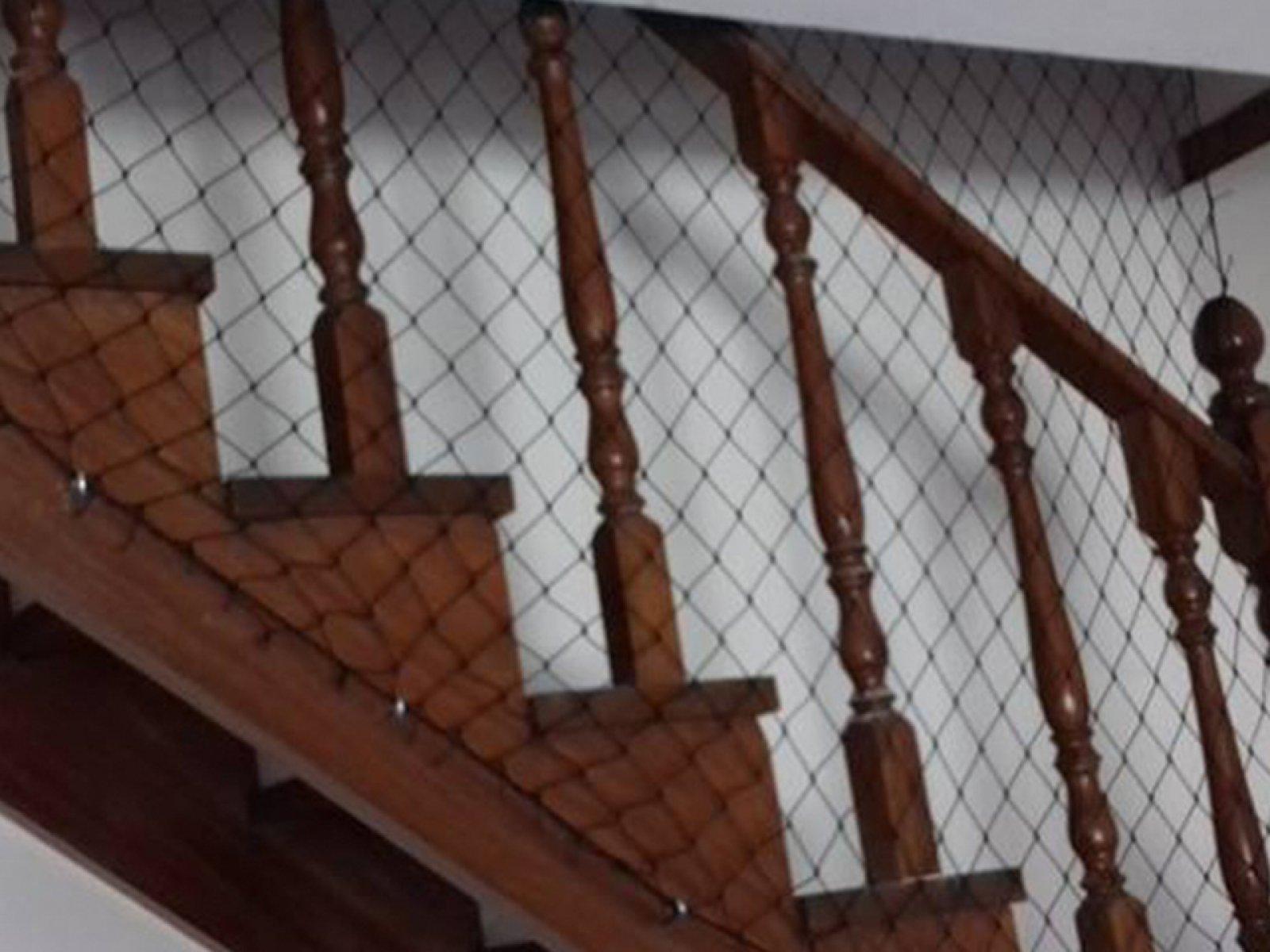 Rede de Proteção para Escadas evita quedas de pets e crianças